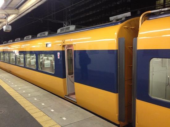IMG_2931近鉄特急.JPG