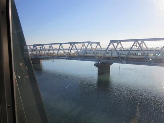 IMG_4497鉄橋アーバンライナー.JPG