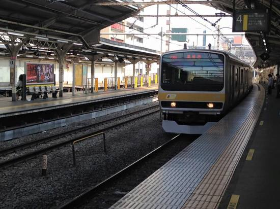 img_06黄色い電車.jpg
